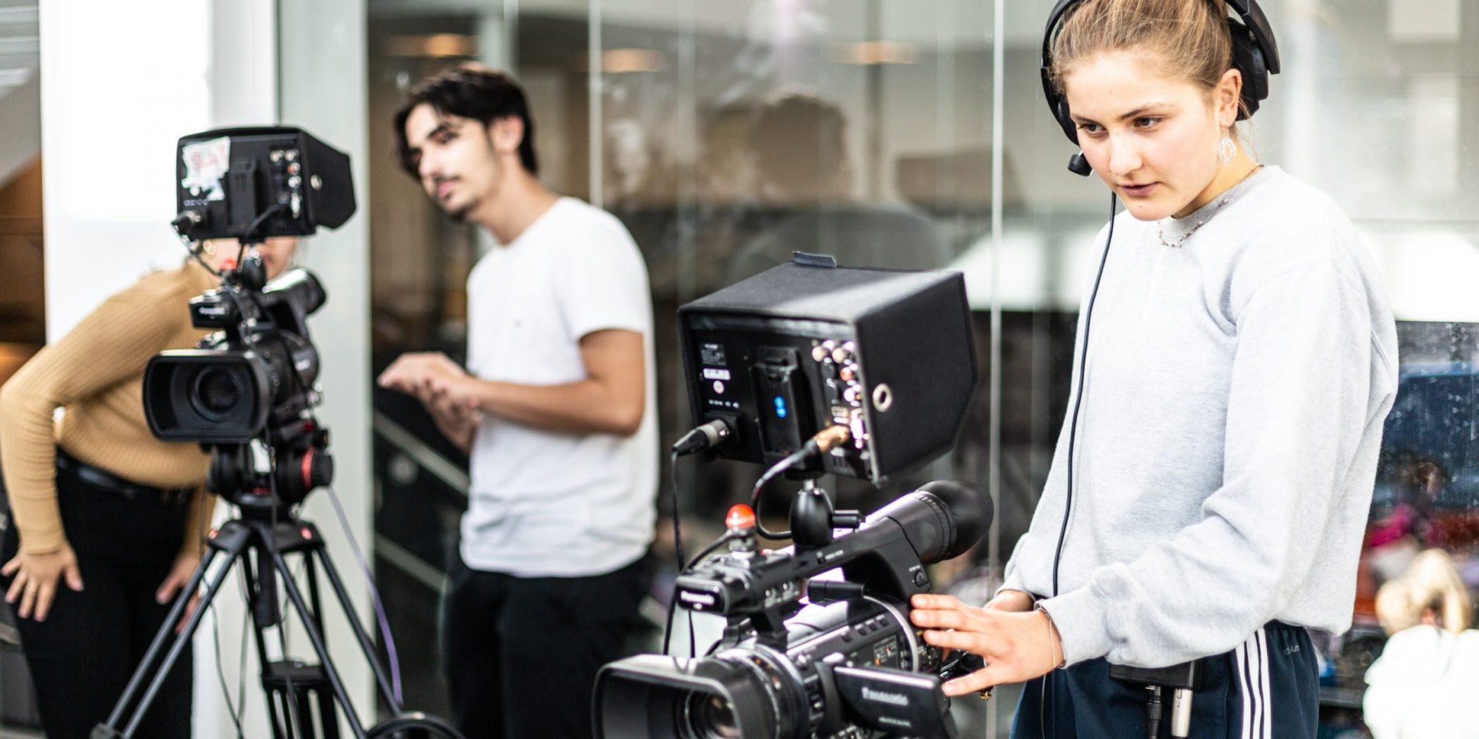 Skal du på gymnasiet? Og drømmer du om at arbejde inden for film- og mediebranchen?